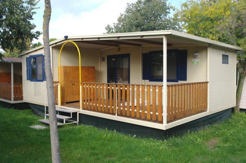 Case mobili su terreno agricolo confortevole soggiorno - Diritto di passaggio su terreno agricolo ...